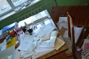На Львівщині зловмисники пошкодили 40 дверей в місцевій поліклініці