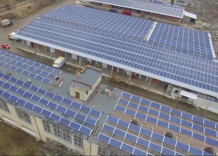 дахову сонячну електростанцію