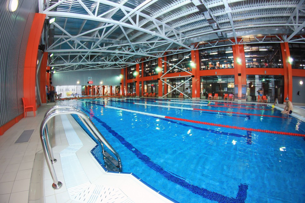 басейн спорткомплексу Sport Life на Чорновола