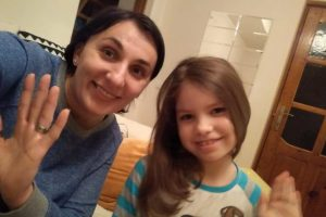 Восьмирічна дівчинка зі Львівщини потребує допомоги в подоланні рідкісної хвороби