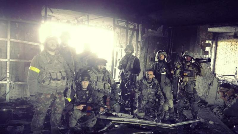 Захисники Донецького аеропорту. фото: Роман Бочкала