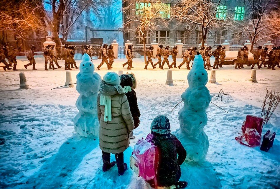 10 грудня, силовики на вулицях вже стали звичайним явищем. Фото Михайла Петяха.