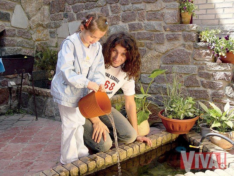 Андрій Кузьменко з донькою Барбарою. Зараз їй 20 років Фото: viva.ua