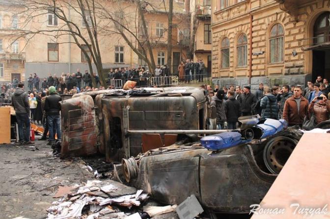 У мережі з'явилися фото Львова після Ночі гніву, які ніколи не публікувалися