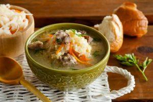 Бабусині рецепти: забута українська страва. Як приготувати найсмачніший український капусняк