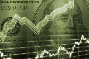 Спіймати курс долара: коли вигідно купувати, а коли продавати валюту