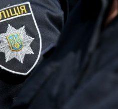 """""""Залoмили руки і кинyли на землю"""": у Тернополі поліція нaпала на чоловіка, бо був без медичної маски (фото)"""