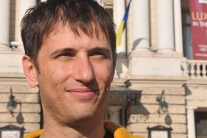 Львівський активіст програв суд офісу Зеленського щодо мови