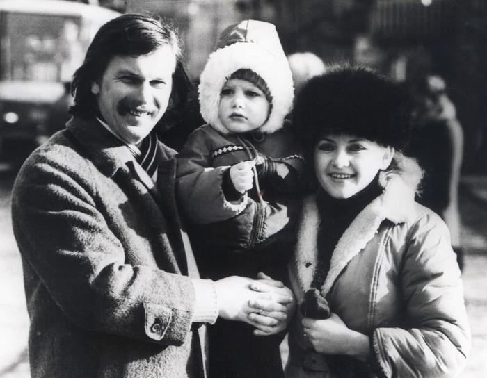 Середина 1980-их. З Оксаною і Андрійком.