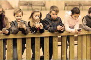 """""""Діти і смартфони. ВСЕ ГІРШЕ, ніж нам здається"""". Доктор Ніколас Кардарас"""