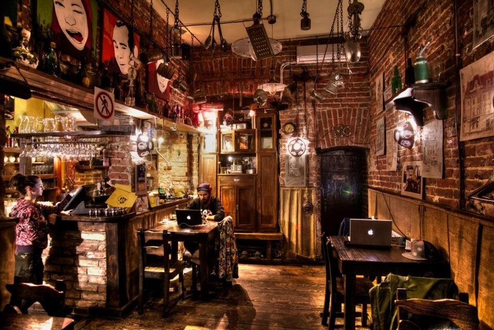 Ресторан-бар «Крива липа»