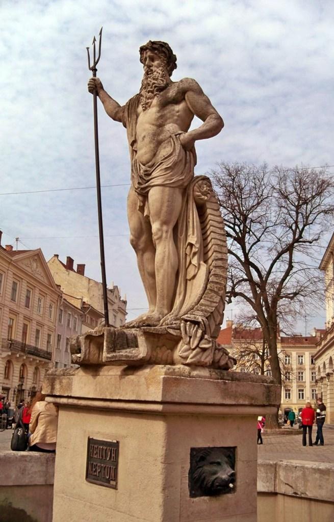 Сучасний вигляд скульптури на фонтані «Нептун»