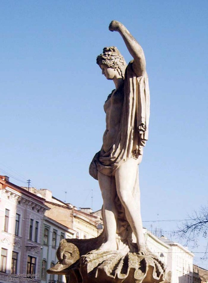 Сучасний вигляд скульптури на фонтані «Амфітріта»