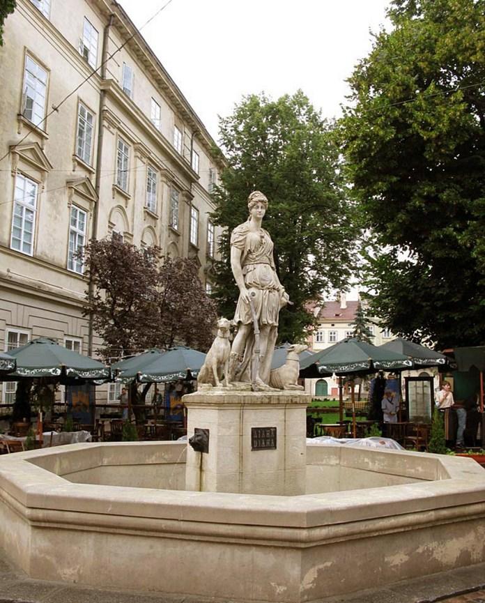 Сучасний вигляд скульптури на фонтані «Діана»