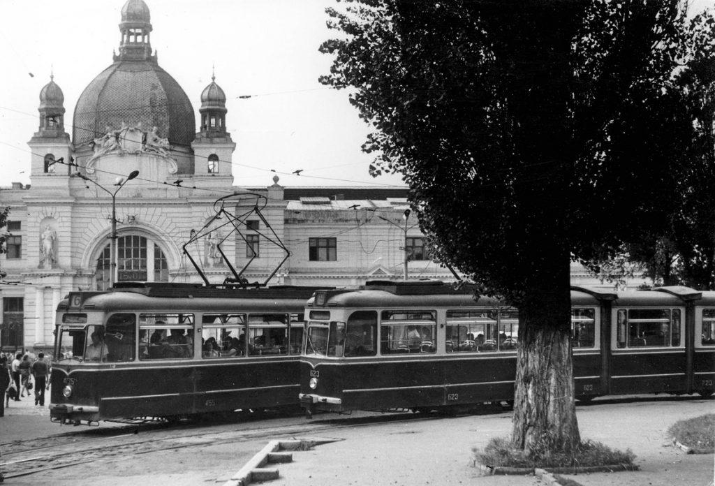 Кінцева біля вокзалу була у 1982