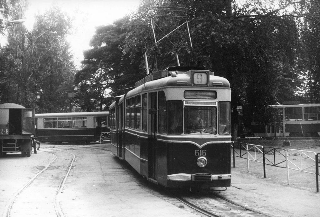Розворотне кільце біля вокзалу, 1982 рік.