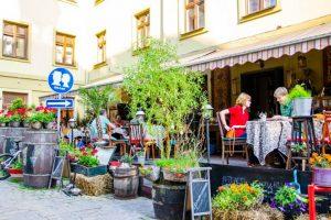 Нова галицька кухня, катування та крафтові сири: ТОП-10 ресторанів Львова на думку користувачів Foursquare