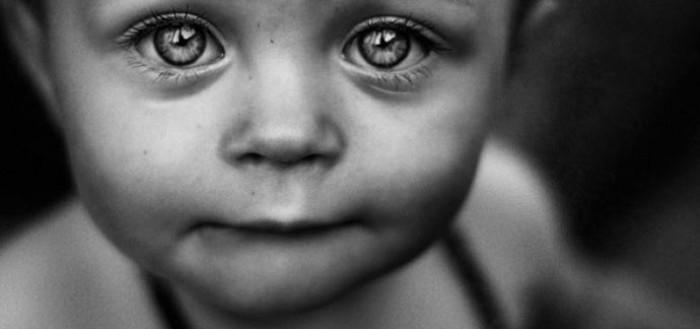 дитина горе сльози
