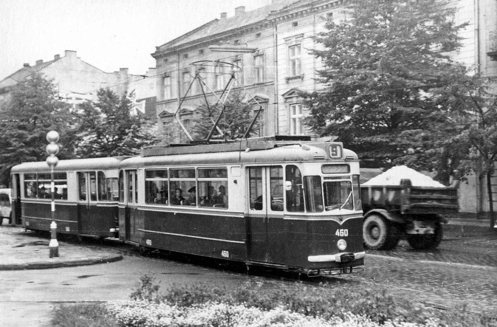 Теперішня вул. Бандери, 1974.