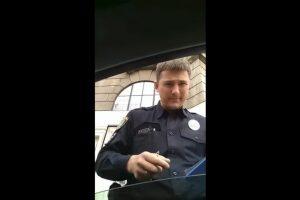 """""""Шо на приколі? Чо ти кричиш вопше?"""" – показали відео львівського хама-водія з поліцейським"""