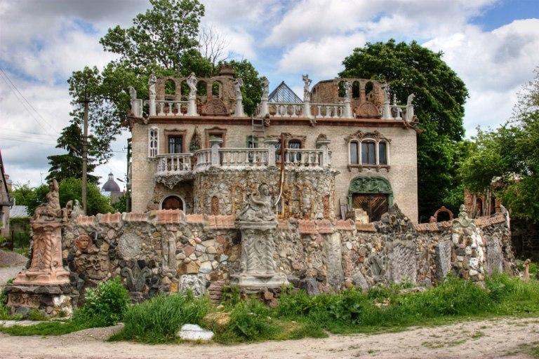 Будинок Голованя – Одне з семи див Волині
