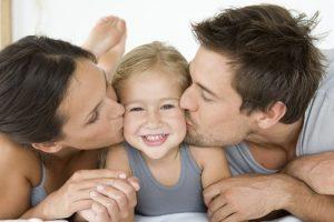 10 порад священика про те, як виховати дітей нормальними