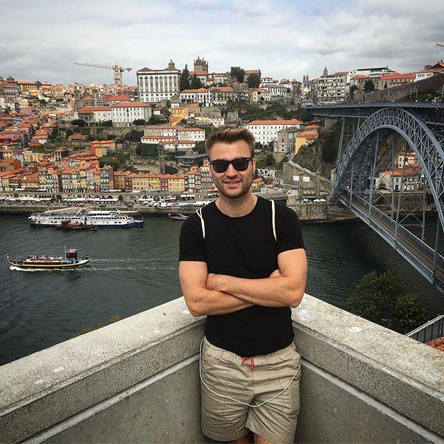 На фото: місто Порту в Португалії.