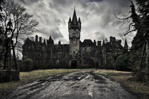 7 вражаючих занедбаних замків, куди ми мріємо потрапити (14 фото)