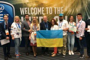 Школярка зі Львова підкорила Америку своїм медичним винаходом (відео)