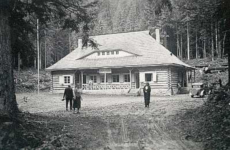 Turistická restaurace u Siněvirského jezera