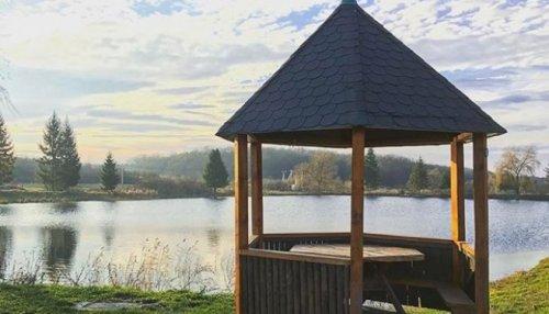 Одне з озер відпочинкового комплексу «Чарівна долина» (Instagram charivna_dolyna)
