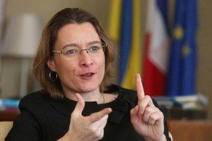 Це повага: Посол Францїї вивчила українську мову