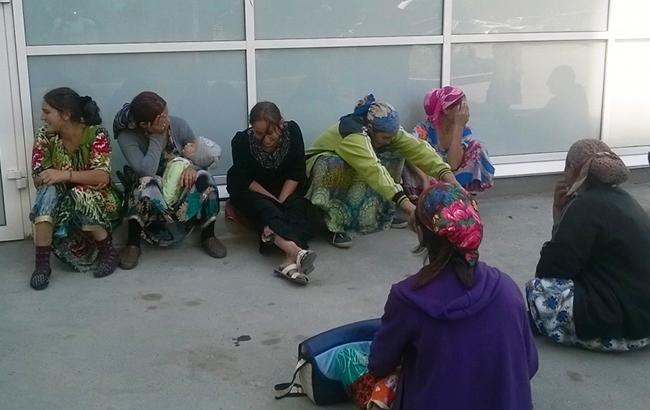 Напали з бітами: у Тернополі розгромили табір ромів