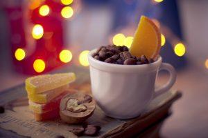 Три горнятка кави, а на закуску горіхи. Вчені виявили страви, які захищають від серцевих захворювань