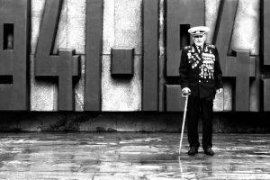 99-річний ветеран війни, у якого онук загинув у зоні АТО, розповів, як перемогти Росію