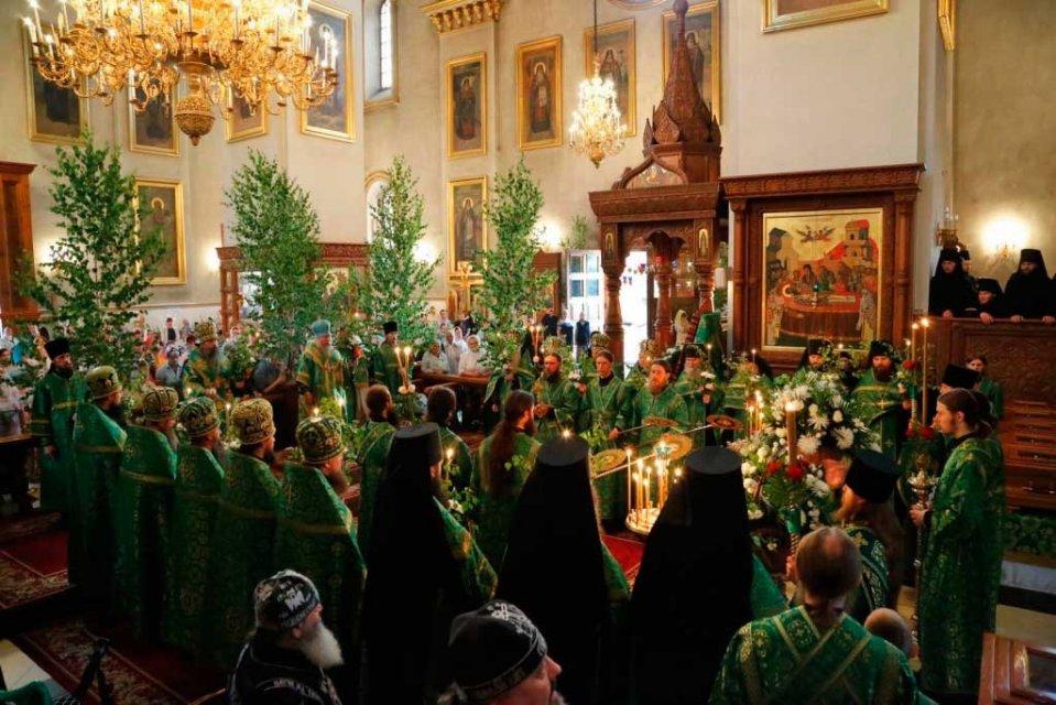 церква зелені свята