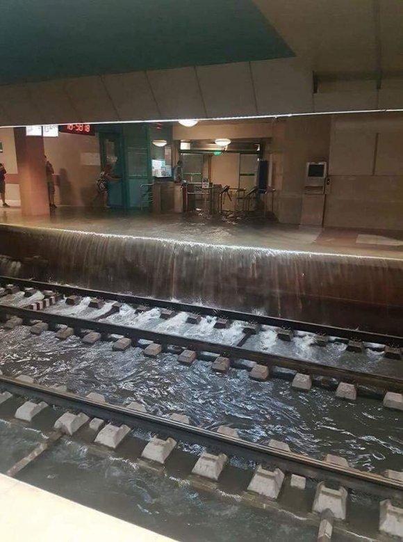 """Внаслідок дощів у Львові було підтоплено станцію метро """"Замарстинів"""""""