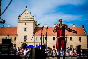 Концерт, історичні бої та фуд-зона: Жовква скликає на дводенний королівський фест «ГазонПаті»