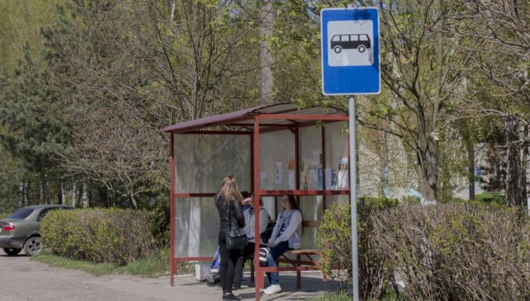 Для самого Давидова центром є Львів. Майже кожні півгодини сюди їздять автобуси з міста