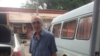 """Дніпро. Військовий госпіталь: """"зайшов дядько, каже, я колишній боєць 93-ї, пішли зі мною на ринок, дам трішки черешні хлопцям.."""""""