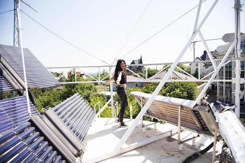 Співачка Руслана показала свій маєток під Києвом