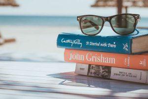 5 найкращих книжок червня, які ідеально підійдуть для відпустки
