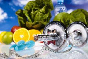 """Як не можна худнути і """"чистити"""" організм: у МОЗ спростували популярні міфи про здорове харчування"""
