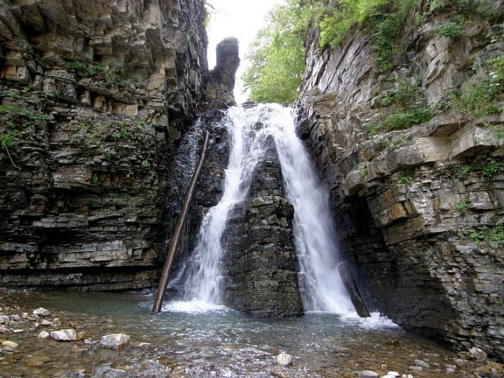 Нірешський водоспад