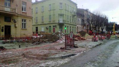 На Личаківський демонтують острівець безпеки