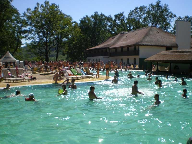 Термальне озеро в Косино