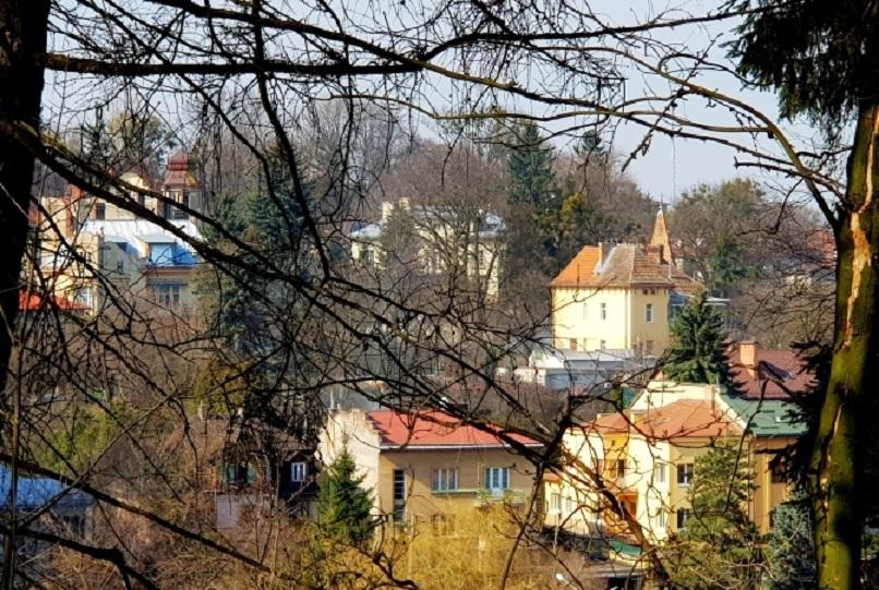 Нетуристичний Львів: львівська горгулья, дім із химерою та місто-сад