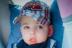 Львів'ян закликають допомогти чотирирічному Ромчику, що вийшов з коми