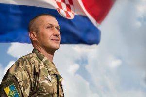 Хорватський доброволець полку «Азов» разом з побратимами підтримали Віду та Вукоєвича