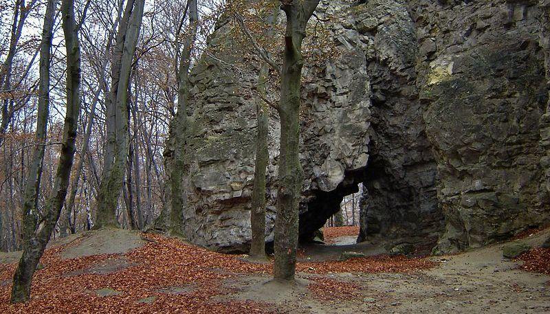 Чортові Скелі